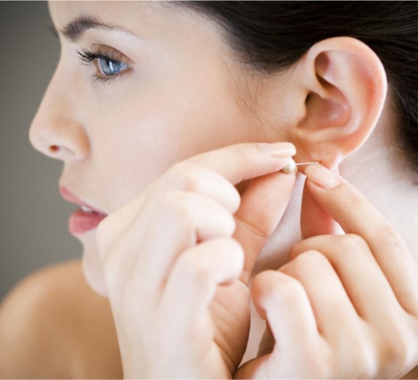 Косметология: Прокол мочек ушей